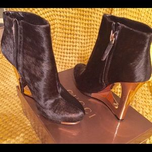 Chic Calf skin, ankle booties